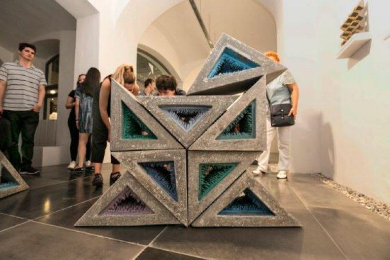Beton arcai 5.0: Betondesign kiállítás Pécsen