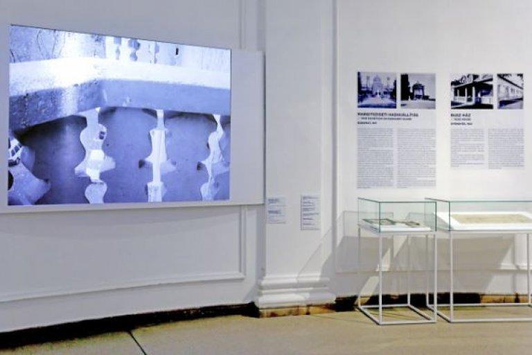 Medgyaszay István kiállítása a II. építészeti szalonon
